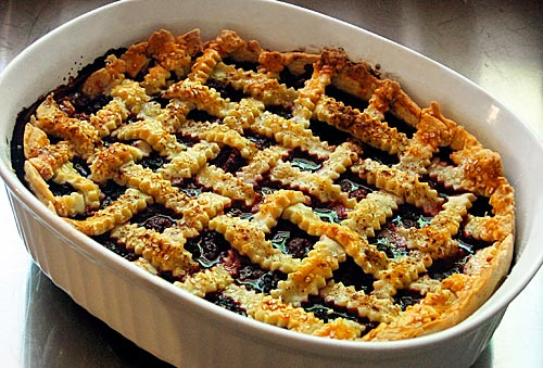 mixed-berry-cobbler